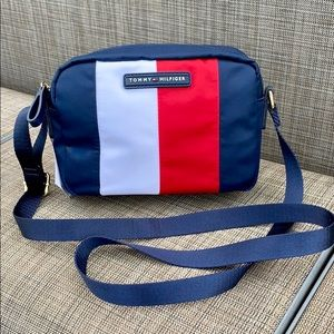 NWT Tommy Hilfiger Iconic Color Crossbody Bag